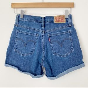 LEVI'S Mid Length Shorts Stretchy mid Rise Cuffed